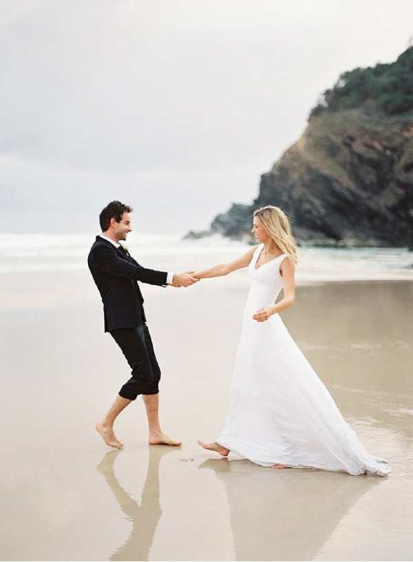 Romantic Beach Couple Wedding