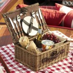 bridesmaid-gift-picnic-basket