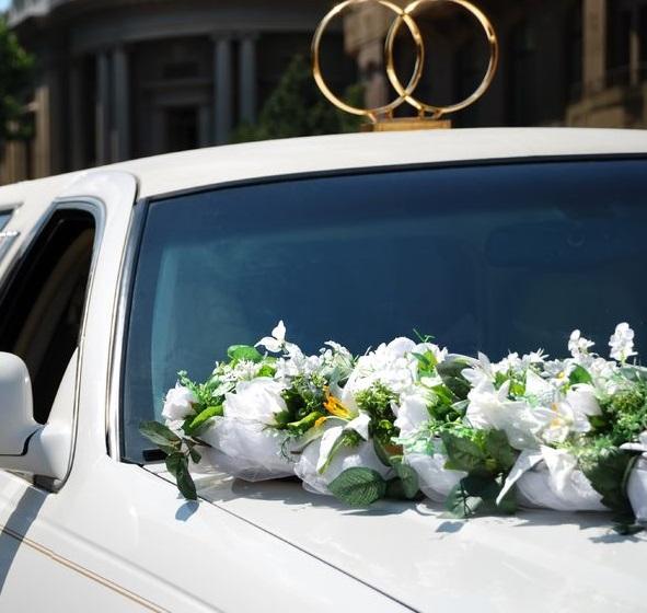 wedding-transportation-newpor-arrow